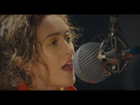 Rae Morris - Someone Out There [Live At Toerag]