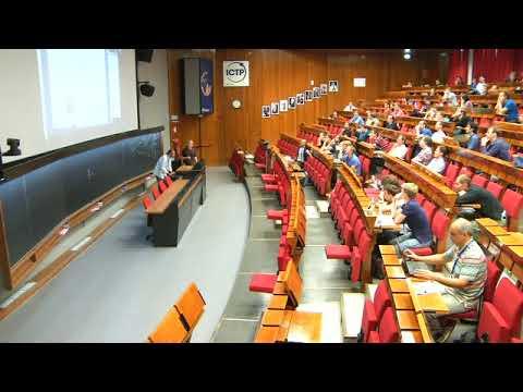 Nonperturbative renormalization flow of the Higgs potential