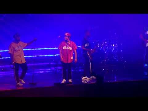 Bruno Mars - Runaway Baby (24K Magic World Tour - MN 8-5-2017)