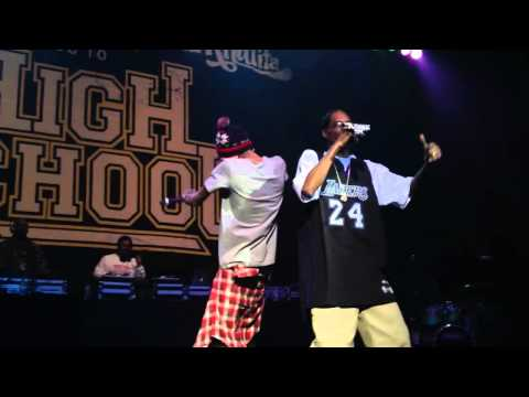 Snoop Dogg and Wiz Khalifa Smokin On [ LIVE in Atlanta ]