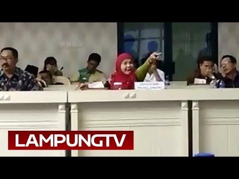"Money Politic Pilgub 2018: Eva ""Meledak"" Di DPRD Lampung"