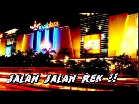 jalan-jalan-di-royal-plaza