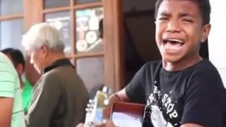 Orang Papua nyanyi lagu batak - O Duma [ Mantab ]