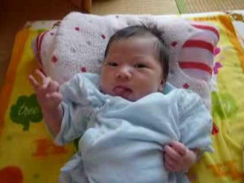生後2カ月 赤ちゃん 吐き戻し(いつ乳) 毎回大量 にミルクを ...