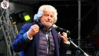 """Imola 2015 -  Beppe Grillo a """"Italia 5 Stelle""""  il suo grande intervento!"""