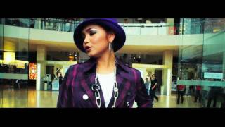 Siti Nurhaliza - Falling In Love OFFICIAL MUSIC VIDEO