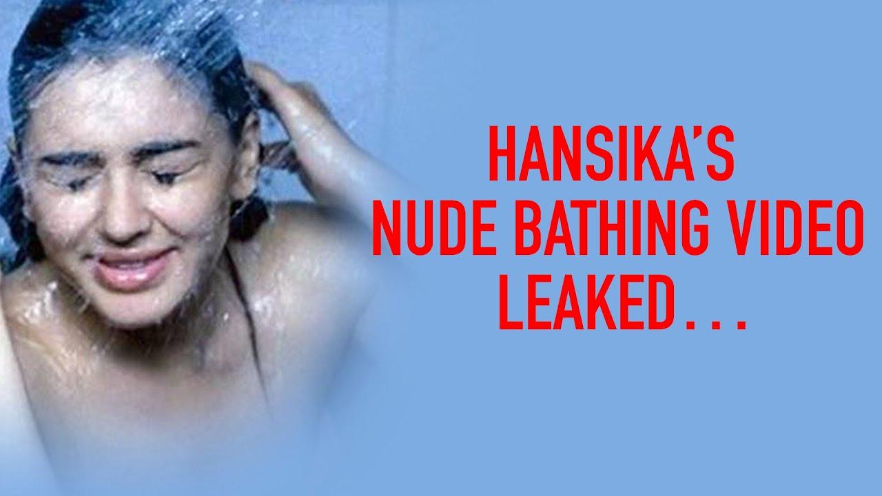 trisha-bathing-naked-anna-camp-boob