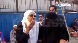 والدة هاني عامر للنظام: