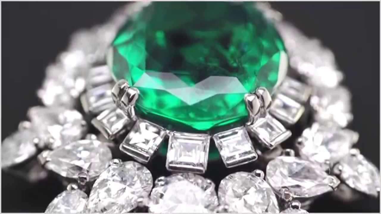 梵克雅寶(Van Cleef & Arpels)頂級珠寶《驢皮公主》(Peau d'Âne)系列Émeraude en majesté祖母綠項鍊製作工藝