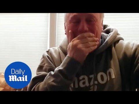 Средовечен пар открива дека наскоро ќе добијат внуче