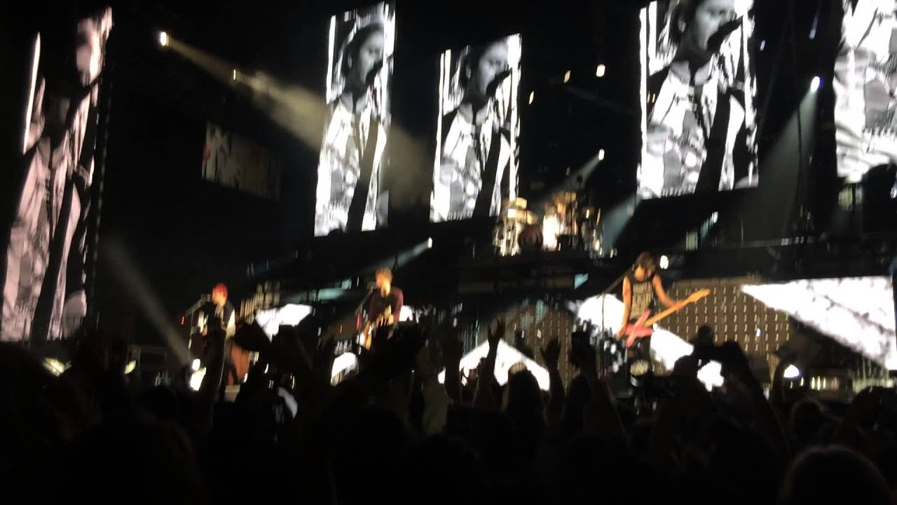 End Up Here 5 Seconds Of Summer Pit View Youtube