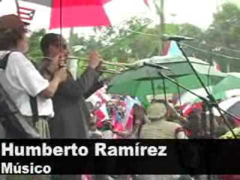 Humberto Ramírez interpreta 'Verde Luz' en entierr...
