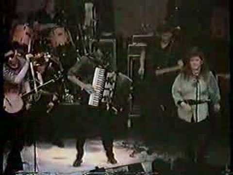 The Pogues and Kirsty MacColl - Fairytale of New York [sent 1,305 times]