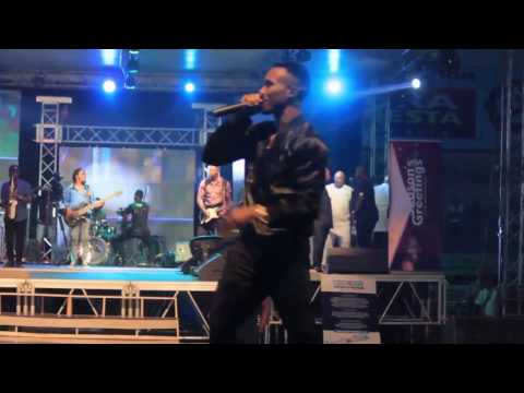 HUMBLE SMITH (OSINACHI) SHAKES NNEWI IN LATEST LIVE PERFORMANCE
