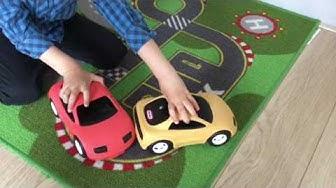 Spelen met de Grote Auto Transporter van Little Tikes! 😂 || Speelgoed Filmpje Kinderen Spelen