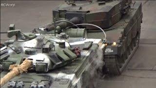T-90 vs. Leopard 2 Tank Panzer RC Big Scale Танк ♦ Erlebniswelt Modellbau Erfurt 2015 Modellbaumesse