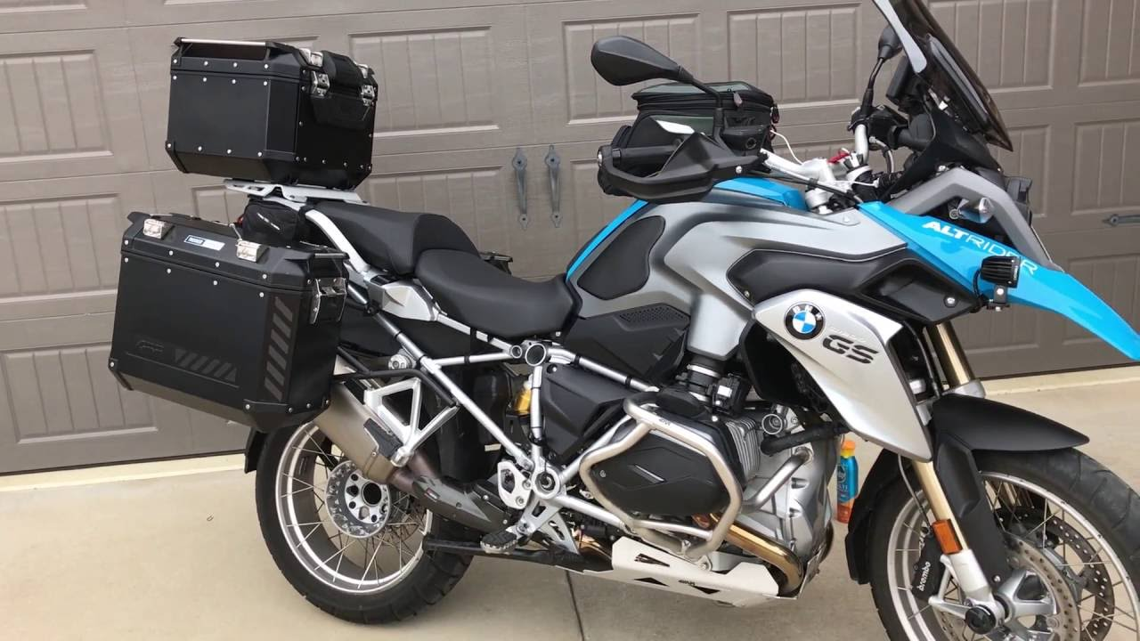 Givi Trekker Outback Top Box 42l Installation On Bmw R