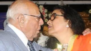 Ram Jethmalani Liplock with Kishore Kumar'S Wife Leena Chandavarkar