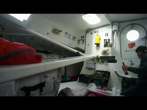 J48 : Préparation du repas de Noël à bord de Finistère Mer Vent / Vendée Globe