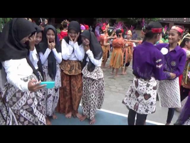 MANNEQUIN CHALLENGE SMP NEGERI 1 MINGGIR PORSENITAS 2016