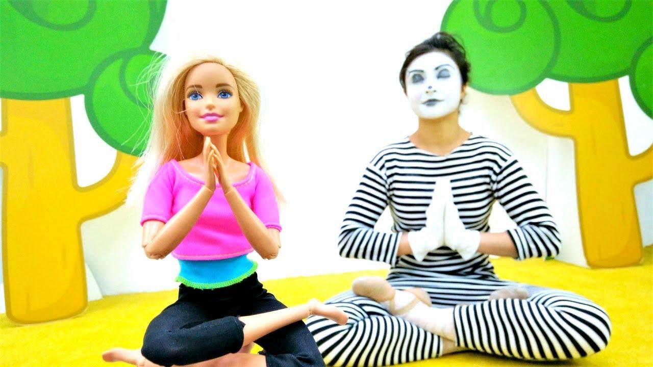 Spielspaß mit Clownin Sonya und Barbie. Spielzeug Video für Kinder
