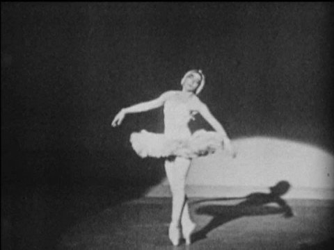 Yvette Chauviré performs The Dying Swan (vaimusic.com)