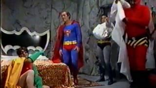 Os Trapalhões - O Super-Homem Didi tenta arrumar uma grana com os seus companheiros Super-Heróis