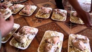 اعداد وتوزيع وجبات طعام على المقاتلين على الجبهات في ريف حماة الشمالي