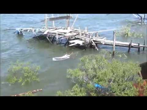 Tour Of Indian Fishing Rights Village On Columbia River; The Dalles, Oregon