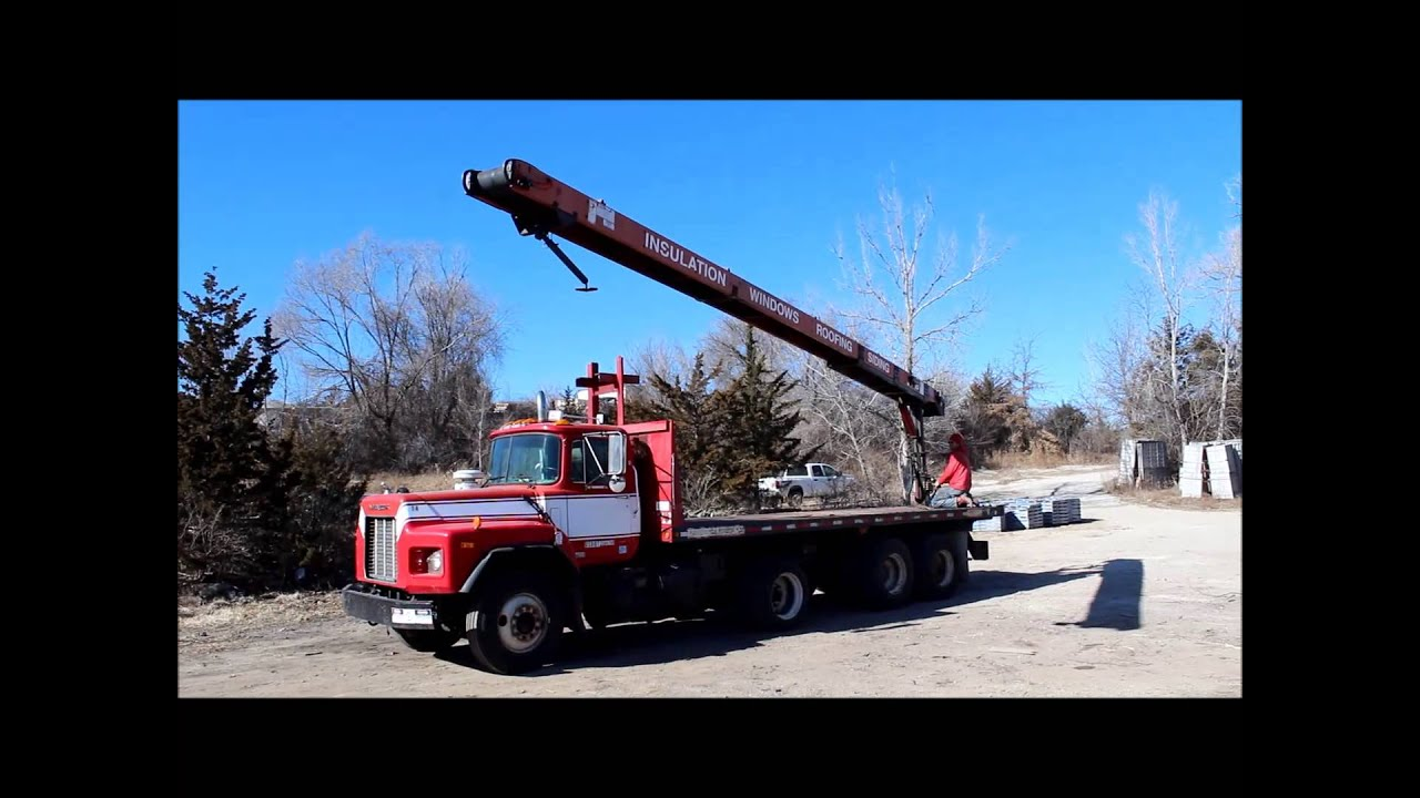 2001 Mack RB688S conveyor truck for sale | sold at auction March 13, 2014