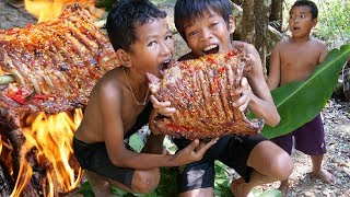 Primitive Technology - Cooking Pork Rib And Eating Delicious