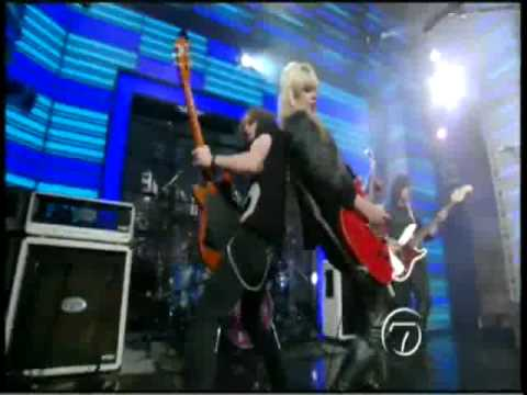 Orianthi - Shut Up & Kiss Me (Live On Live With Regis And Kelly)