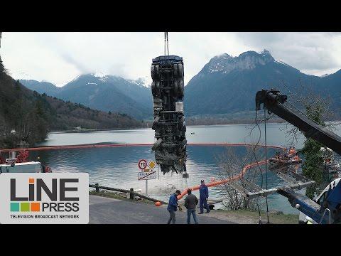 Relevage d'un camion dans le lac d'Annecy / Talloires-Montmin (74) - France 22 mars 2017