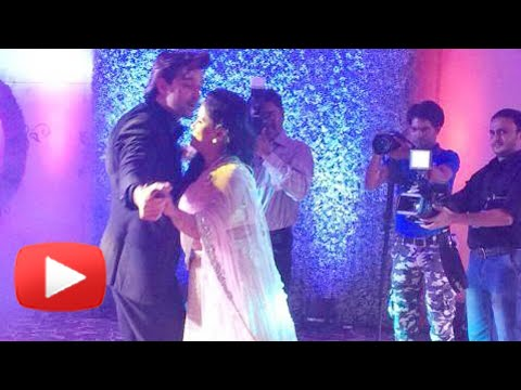 Salman Khan's Sister Arpita Khan's Romantic Dance With Hrithik Roshan: During the reception party of Arpita Khan and Aayush Sharma, Salman Khan's sister matched her steps with the Bollywood Hunk Hrithik Roshan. Watch the video to know more.  Share on Google+:http://goo.gl/wvoZ8L Share on Facebook: http://goo.gl/f6lsZP Tweet now: http://goo.gl/C83Kao  Subscribe now and watch for more of Bollywood Entertainment Videos at http://www.youtube.com/subscription_center?add_user=bollywoodnow  Regular Facebook Updates https://www.facebook.com/bollywoodnow.    Twitter Updates https://twitter.com/bollywoodnow    Follow us on Pinterest: https://pinterest.com/bollywoodnow    Follow us on Google+ : https://plus.google.com/+bollywoodnow