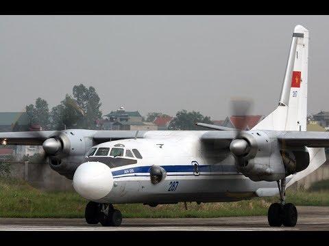 Máy bay vận tải AN-26 Việt Nam biểu diễn bay