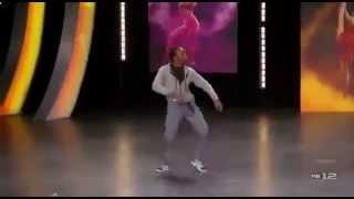 Самое веселое видео.  Парень взорвал зал на шоу талантов(Парень не побоялся и выступил на шоу талантов и показал свой танцевальный талант. При чём показывая свои..., 2014-06-25T12:24:16.000Z)