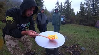 Простой и вкусный рецепт картошки фри в казане! Готовим еду в горах Алтая.
