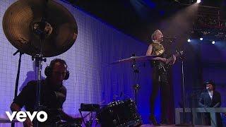 St. Vincent - Prince Johnny (Live On Letterman)
