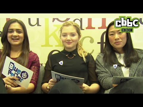 The Dumping Ground Cast Answer Cringey Questions! - YouTube