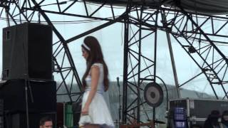 "Lana Del Rey Eurockéennes 2012 ""Million Dollar Man"""