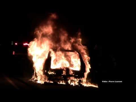 incendie de de véhicule a st roch Ouest autoroute 25   lundi le 5 octobre 2015