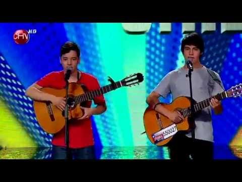 El dúo Crisdécimo sorprendió al jurado de Talento Chileno - TALENTO CHILENO 2014
