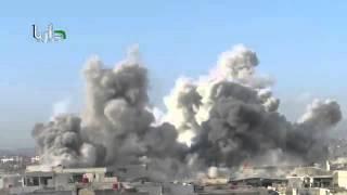 شاهد انفجارات ضخمة ناتجة عن إلقاء طائرات حربيّة برميل متفجّر على داريا بسوريا اليوم