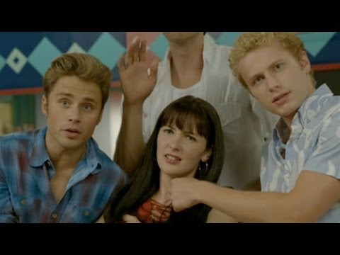 EXCLUSIVE: The 'Beverly Hills, 90210' Gang Get Touchy Feely Over Their Sex Scenes in Lifetime Mov…