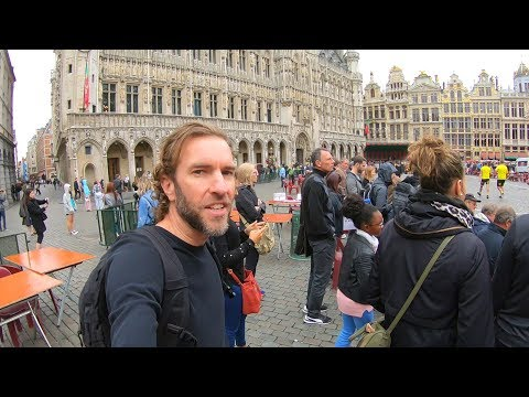 EXPLORING BRUSSELS, BELGIUM | Walking to the Main Square