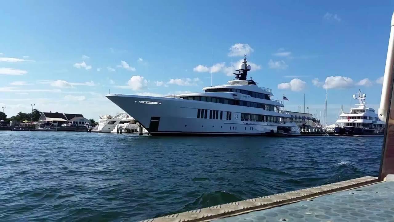 Just Js Yacht Owner Billionaire Jay Schottenstein Of SB