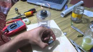 Motor eléctrico con imán y pila AA