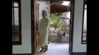 penampakan Pocong Gila Di Masjid