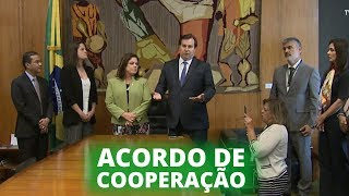 Destaques – Agosto 2019 - Câmara assina acordo de cooperação para reestruturação administrativa - 15/08/19