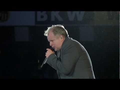 Grönemeyer Bern: Was soll das ?  (HD) 2011 live im Stade De Suisse, Herbert at his best..